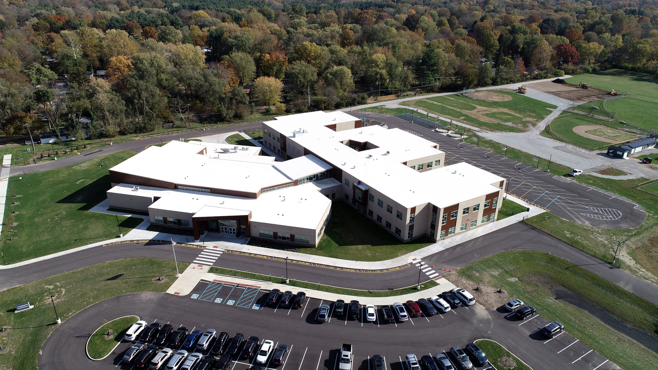 clearwater elementary commercial roofing project by ce reeve roofing in indiana